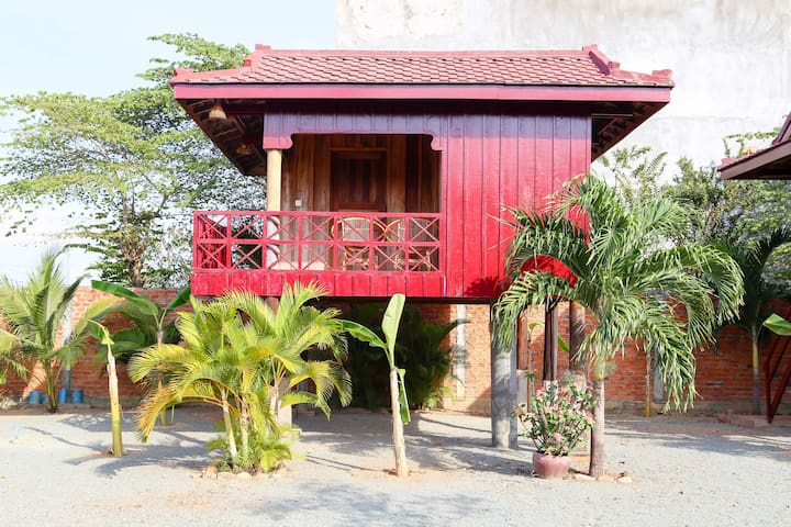 Traditional Khmer House - Bungalov