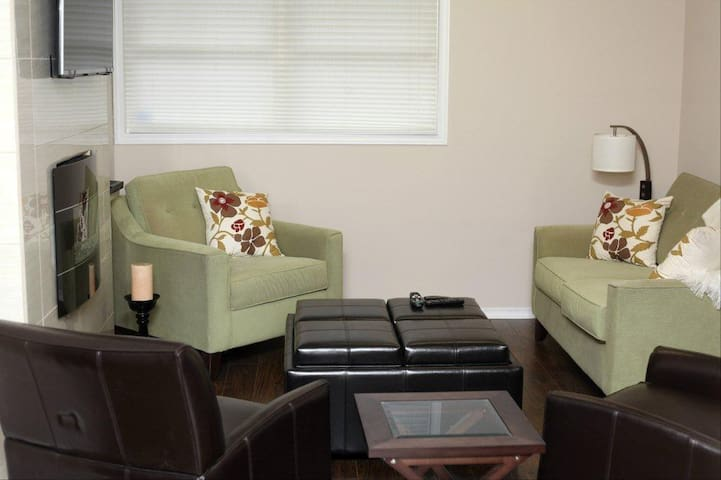 2 bedroom suite - Winchester - Andre