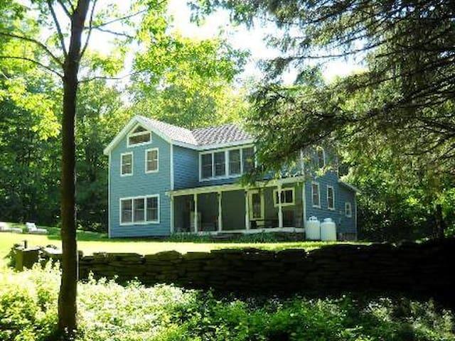 Lazy Brook Farm House - Fleischmanns - Cabaña en la naturaleza
