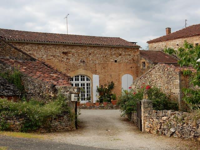 La Bergnole, Typical Perigord Farm - Sauveterre-la-Lémance - Ev