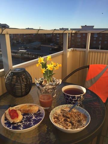 Bright cozy apartment close to everything you need - Lidingö - Byt