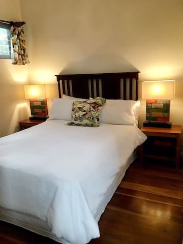 Central to everything & very quiet. - Geelong - Bed & Breakfast