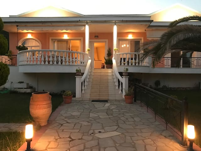 DREAM HOUSE (the house is also available for SALE) - Nea Iraklitsa - Casa