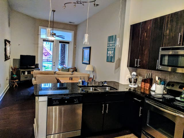 1BR in heart of Plaza Midwood/Eliz No Cleaning Fee - Charlotte - Huoneisto