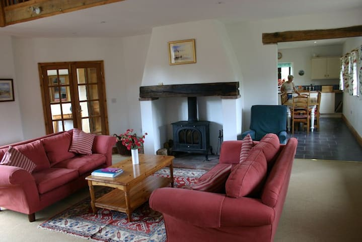 Big family / group self catering Cottage - Wickmere - Vakantiewoning