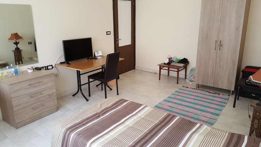 Private room in Beirut for males - Beirut - Departamento