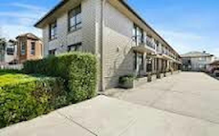 Homely Cosy Modern 1 bedroom Williamstown North - Williamstown  North - Departamento