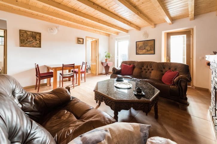 STYLE AND CHARM IN THE MOUNTAINS, WIFI, 3 ROOM,BBQ - Cercedilla - House