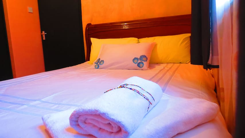 Delightful room near JKIA airport - Nairobi - Dom