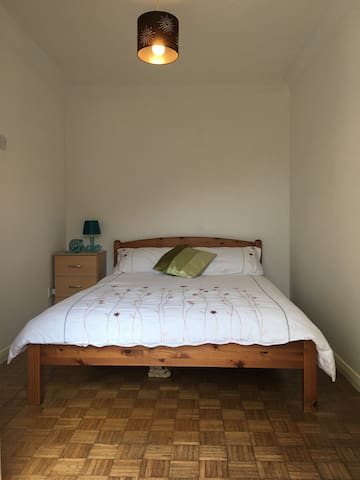 Double Room in clean, friendly houseshare - Chelmsford - Huis