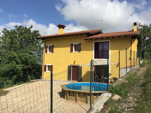 Mooi landelijk huis tussen de wijngaarden - Montecchia di Crosara - Hus