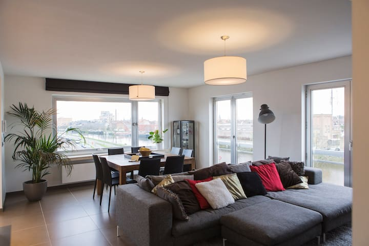 Cosy and sunny apartment with bikes! - Brujas