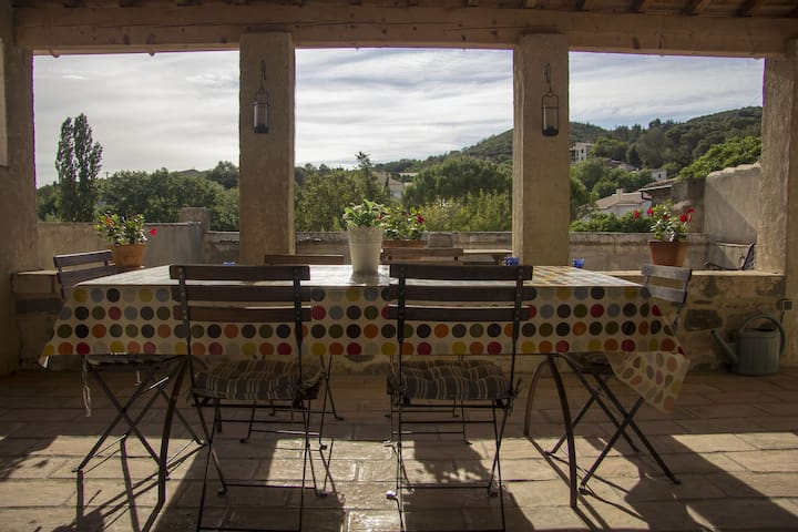 Belle maison vigneronne tranquille - Peret