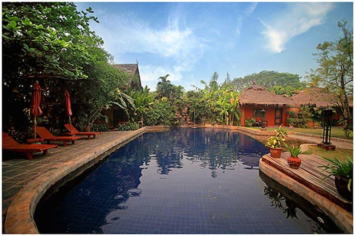 园景豪华双人间-带按摩浴缸 - Tambon San Sai Noi