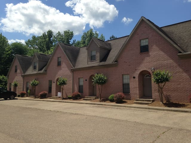 Sage Meadow Condo's off Anderson Rd. Oxford, MS - Oxford - Appartement en résidence