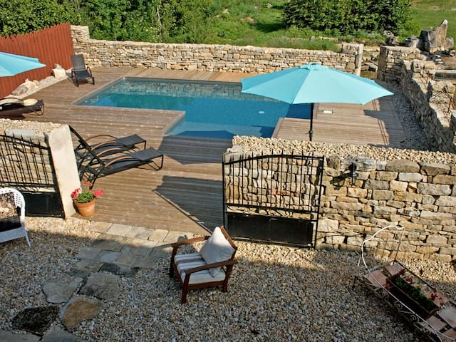 Charming Country Cottage/Pool/St.Antonin 10 mins - Penne