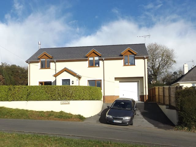 Attractive Double room with Great View. - Pembrokeshire - Casa