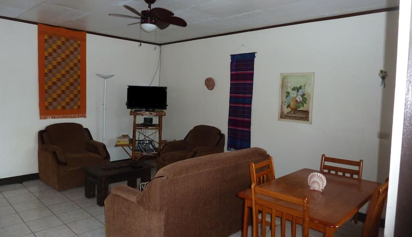 Riverside house in Turrialba - Turrialba - Casa