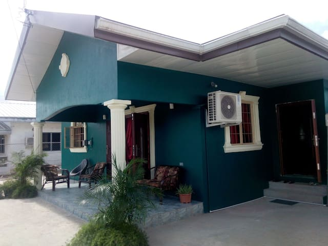 Comfortable, Modern 2 bedroom house - Carapichaima
