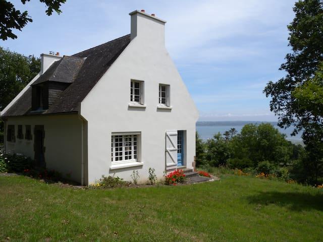 Maison traditionnelle vue mer - Карантек - Отпускное жилье