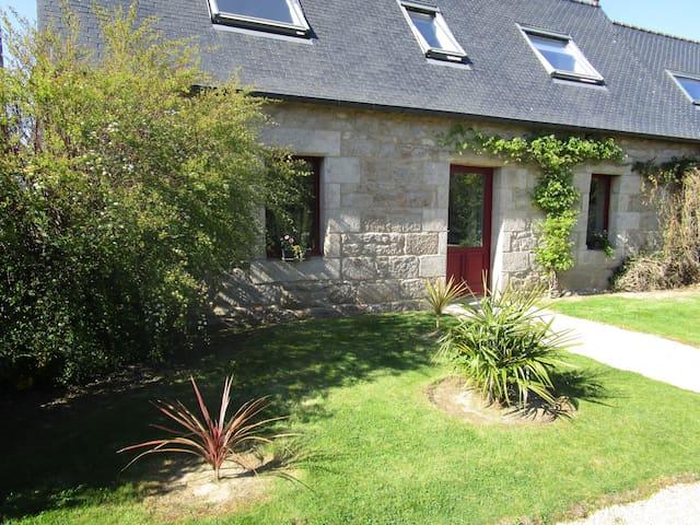 little british house - Plouaret - Casa