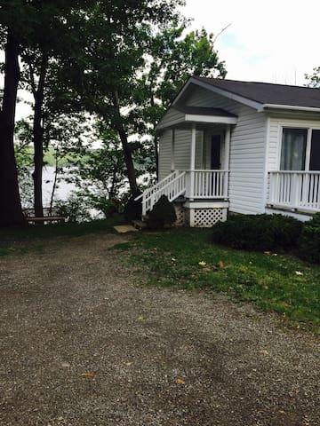 Kiri's Seneca Lakefront Cottage - Hector - Talo
