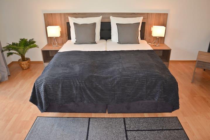 Top-Moderne Wohnung - TOP Lage & Verkehrsanbindung - Waiblingen - Apartament