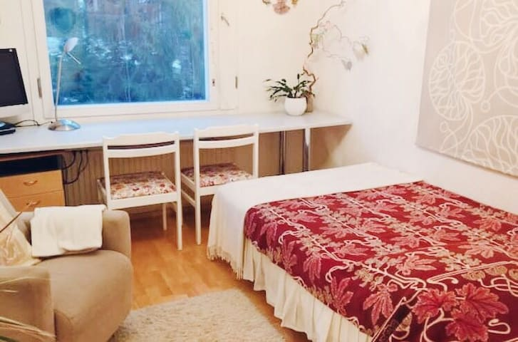 Nice and cosy room near city center - Tampere - Departamento