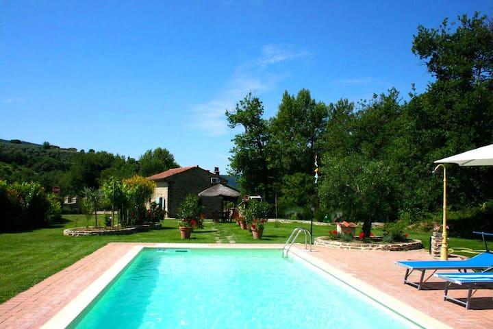 La Casa Di Pino, sleeps 4 guests - Castiglion Fiorentino