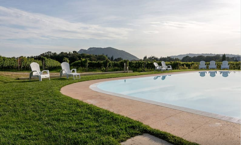 Ancient farmhouse with pool  (1) - Rivoli veronese - Pousada