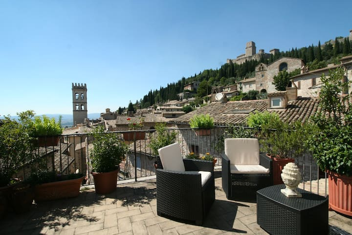 Panoramic view in Assisi with 2 terraces - Asís - Departamento