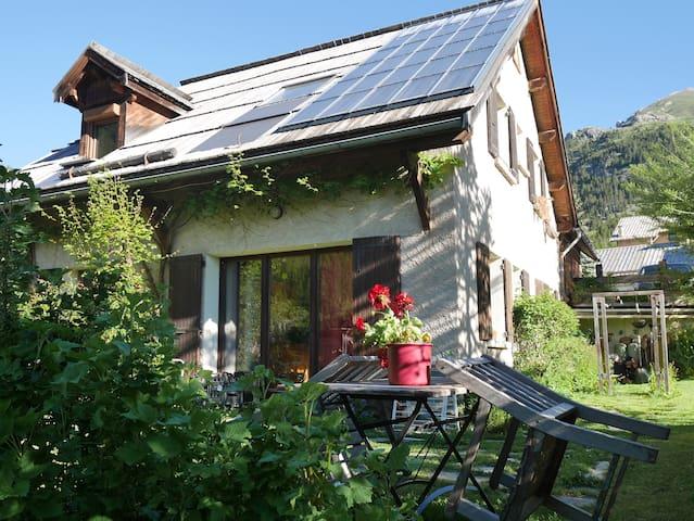 Studio 2 personnes avec jardin. - Arvieux - Apartemen