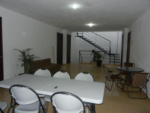 Habitación Estudiantes Univ. de Guanajuato - Celaya - Pension