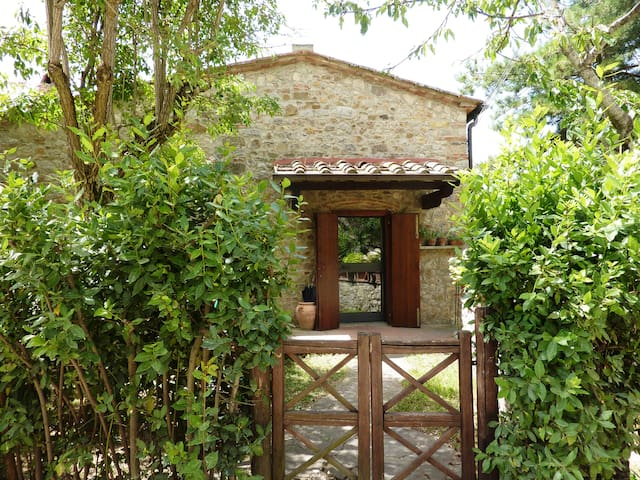 Medieval Village Country House - Cennina