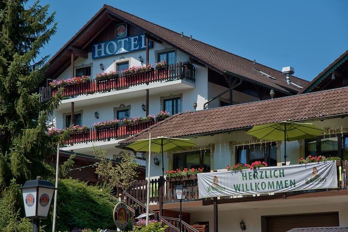 Urlaubs und Businesshotel - Schmalkalden - Oda + Kahvaltı