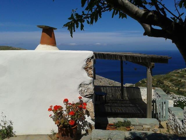 'The small jewel' - Lukas' house. - Folegandros - Casa