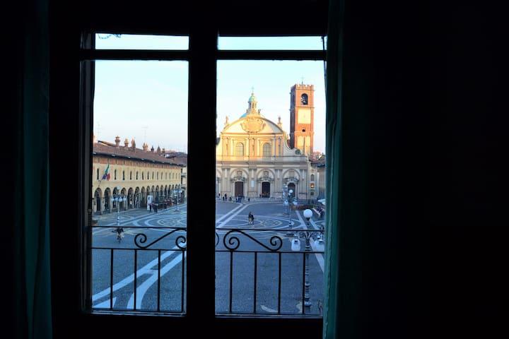 La finestra sulla Piazza - Vigevano - Appartamento