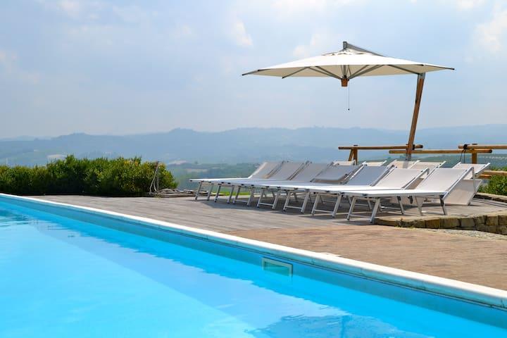 Villa privata con piscina Verduno - Verduno - 別荘
