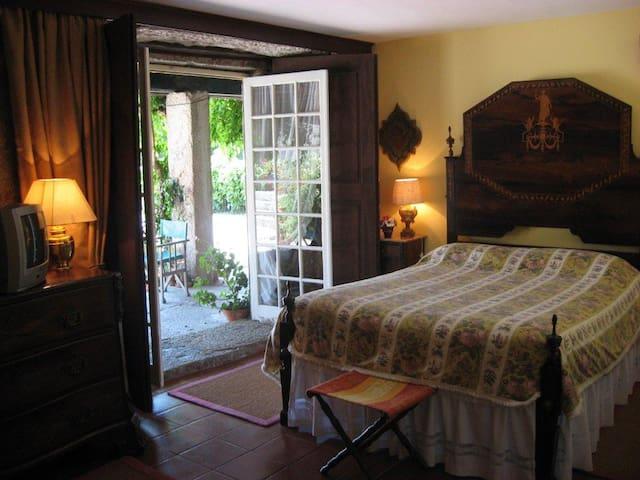 Quarto Amarelo - Geraz do Minho - Bed & Breakfast