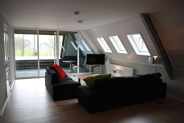 Beautiful Penthouse with free horsestable - Dwingeloo - Lägenhet