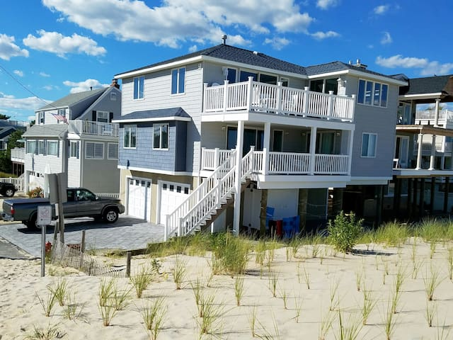 Ocean Front, 90th St, 5 bdrm 3.5 bath - Long Beach Township - Casa