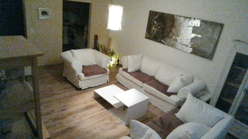 Günstige und Bequeme Übernachtung - Neumünster - Lägenhet