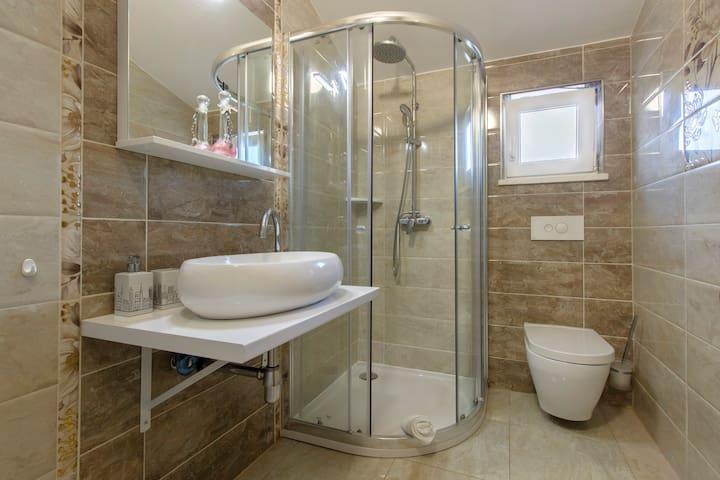 Amazing new apartment in Kaštela, near Split (A2) - Kaštel Lukšić - Departamento