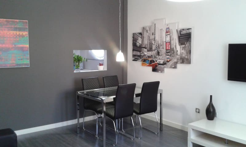 Granada: new flat, Alhambra, breakfast + parking! - Cenes de la Vega