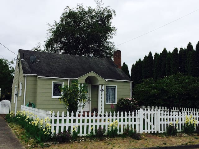 One mile to State Fair! - Puyallup