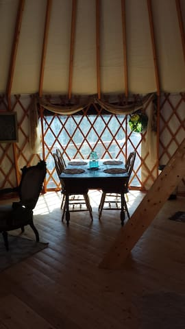 Yurt in the Mountains - Middlesex - Bungalow