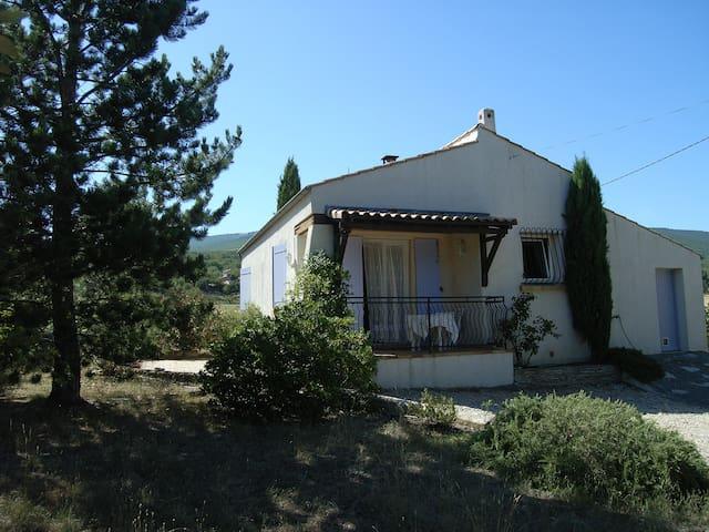 Villa T3 en Haute-Provence - Chateauneuf Val Saint Donat - Vacation home