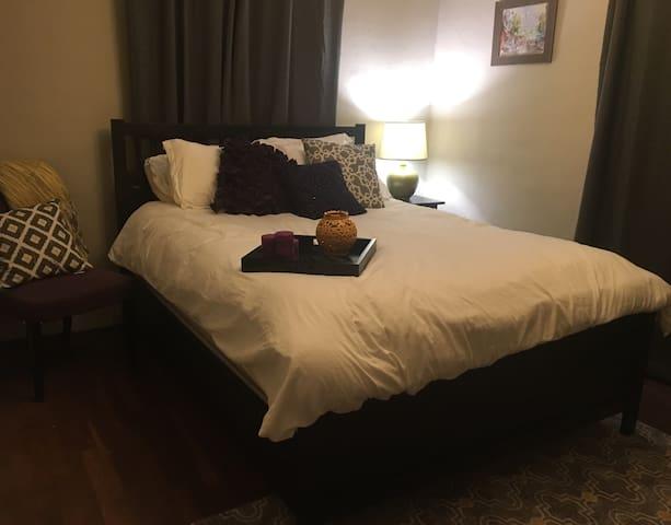 Private Entry Room & Sunroom in Heart of Atlanta! - Atlanta - Hus
