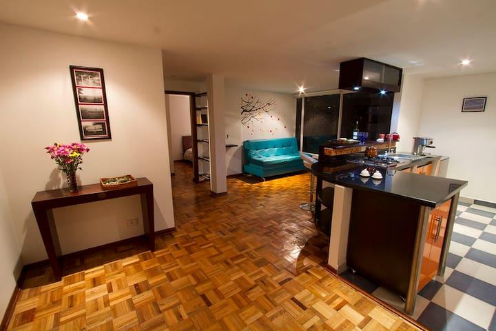 Cozy flat in Rosales, walking distance from Zona T - Bogotá - Apartemen