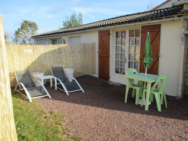 Independent studio 20M² in Vendée - La Guyonnière